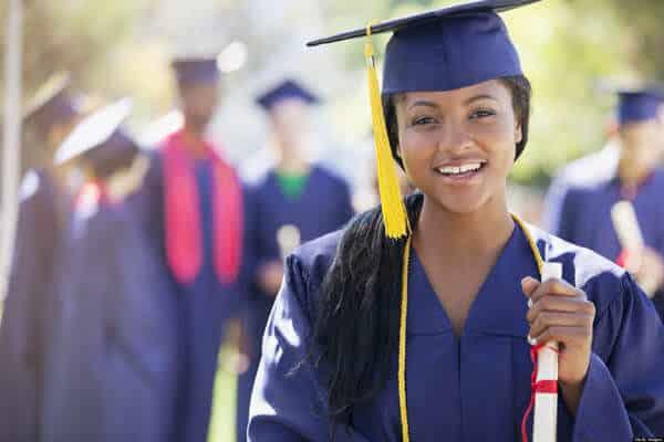 Estudante recém-graduada