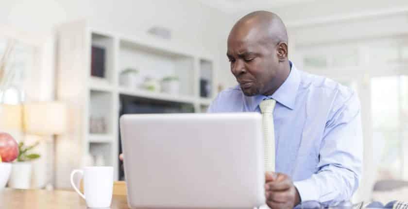 Como contactar empregador após entrevista